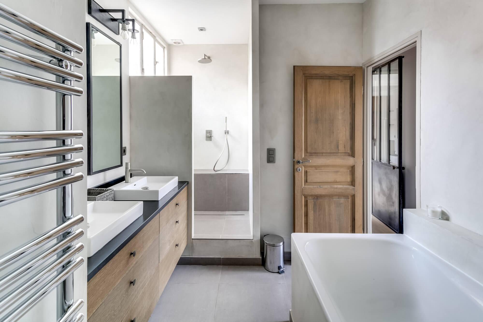 Canal Saint Martin Penthouse - Bathroom