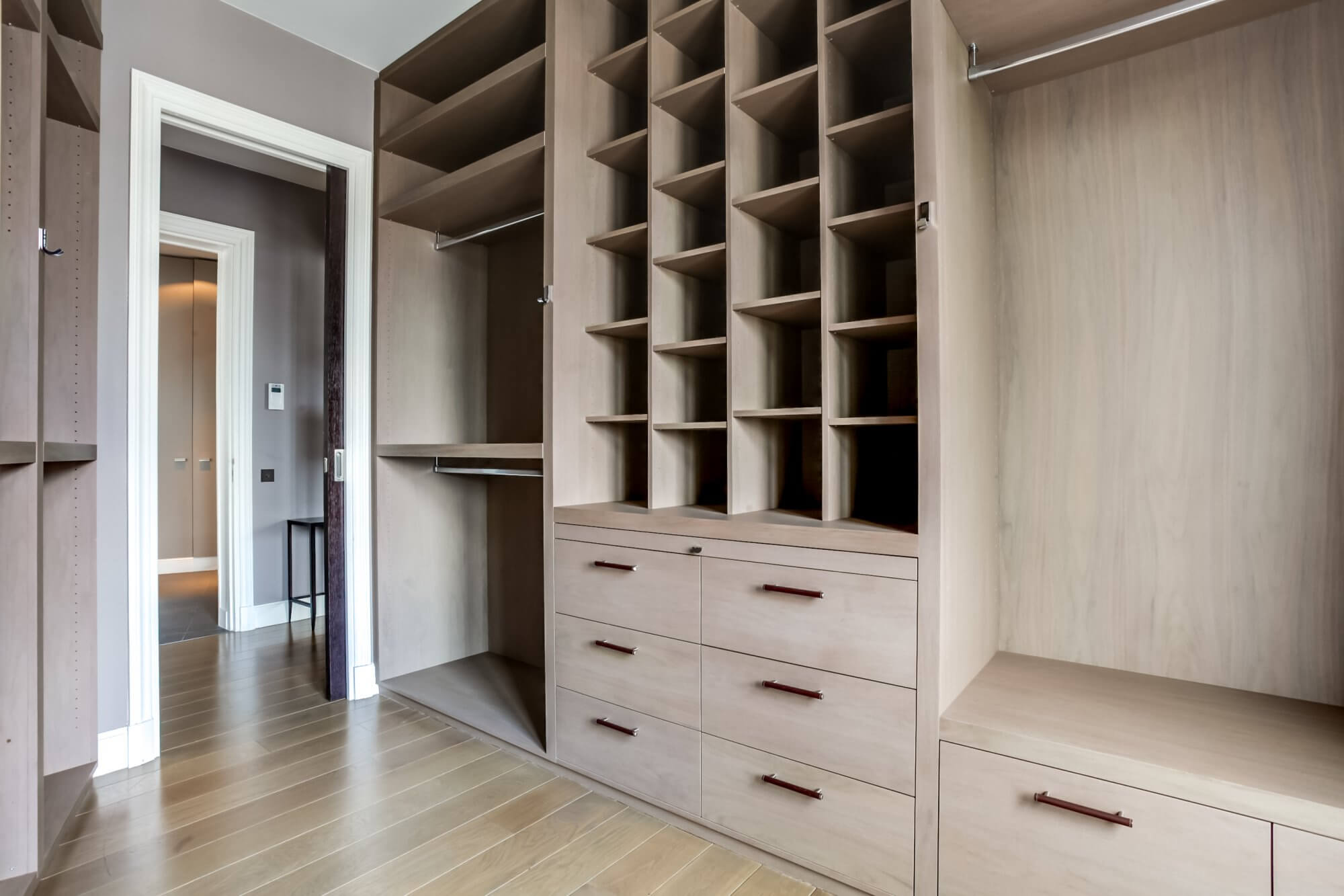 Etoile Hoche - Closet Storage