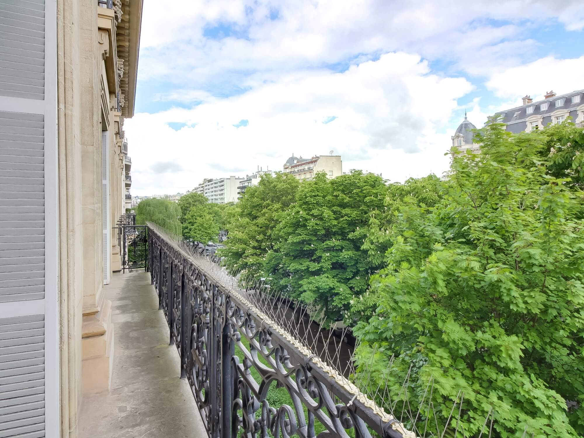 Etoile Mandel Scheffer - Balcony